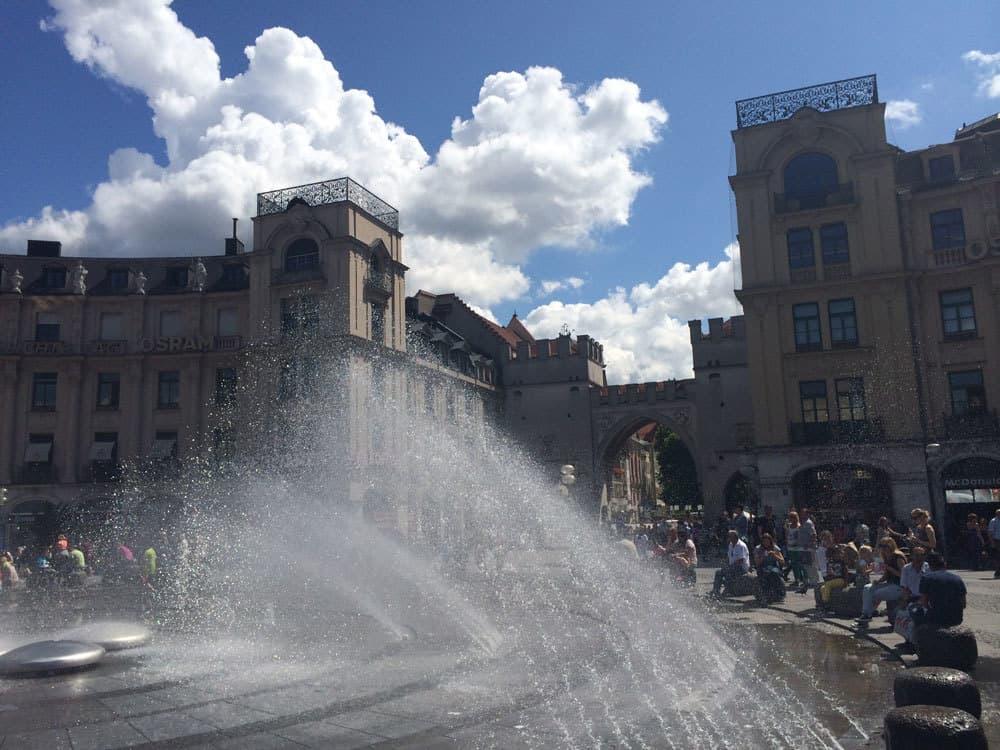 1-Karlsplatz-Andrey