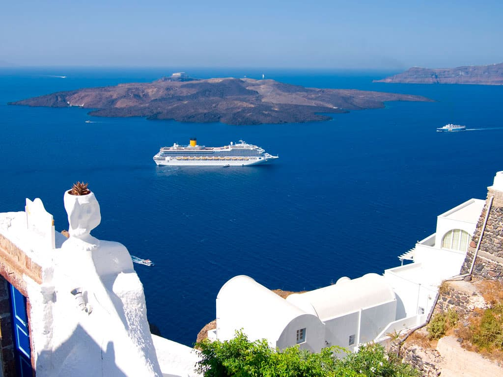 8-caldera-santorini-greece