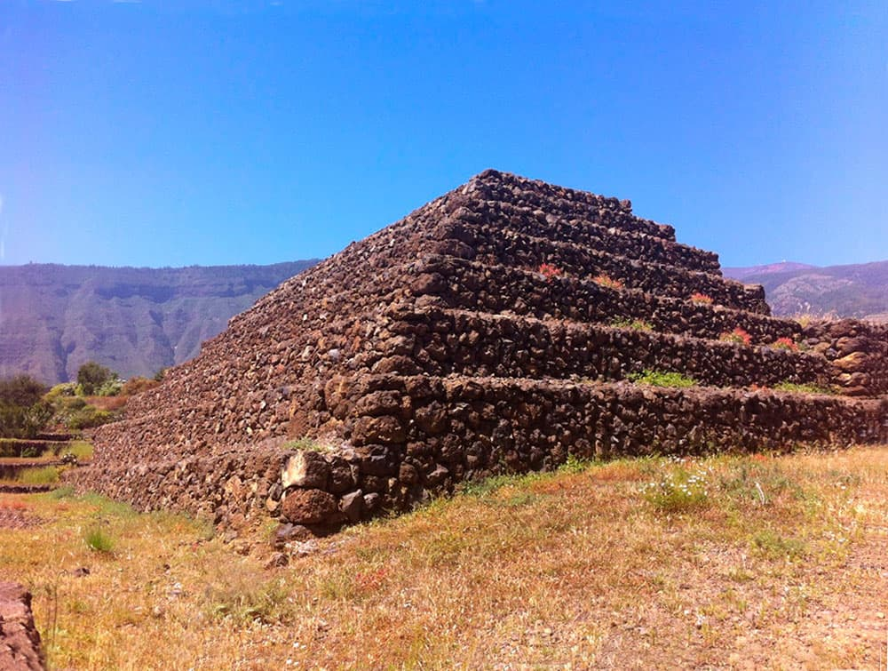 5-pyramides-guinamar-tenerife