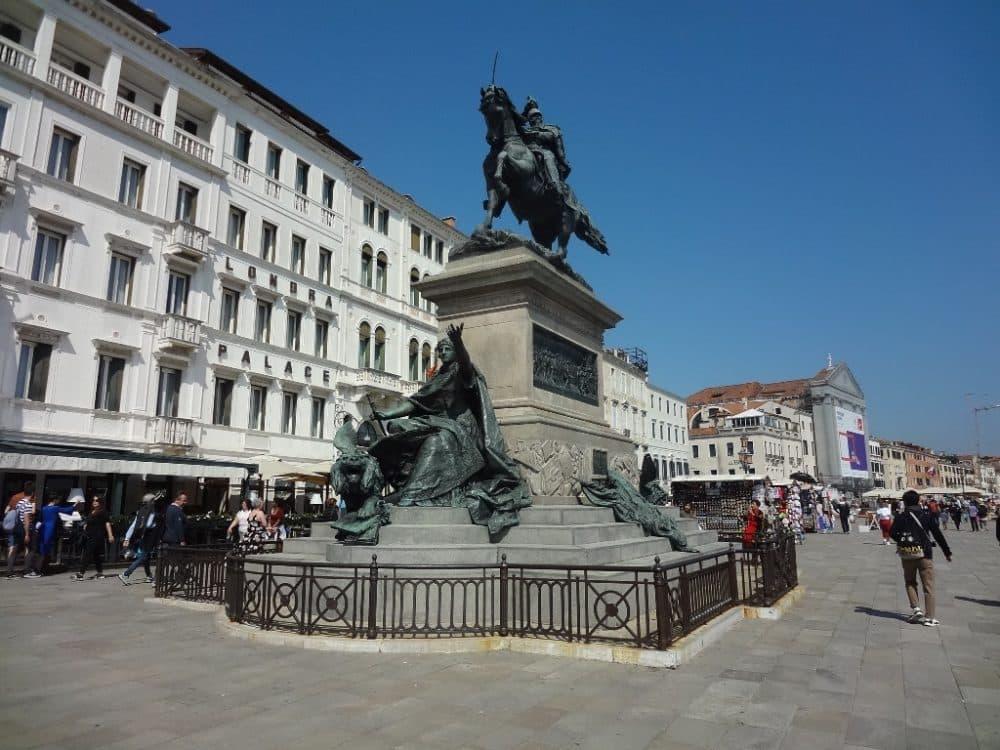 Венеция памятник Виктору Эммануилу II