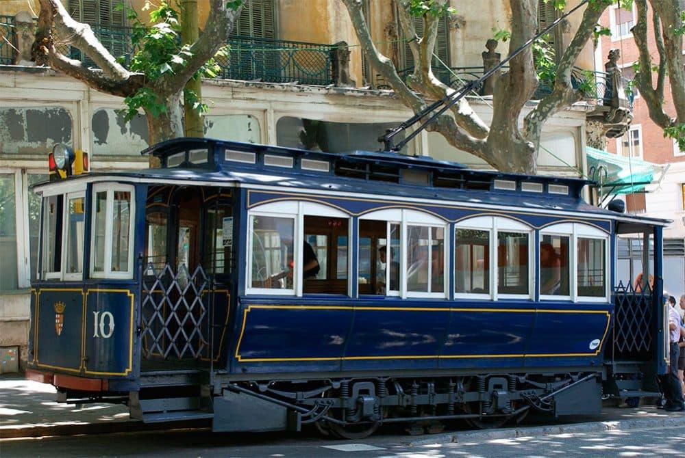 Барселона голубой трамвай