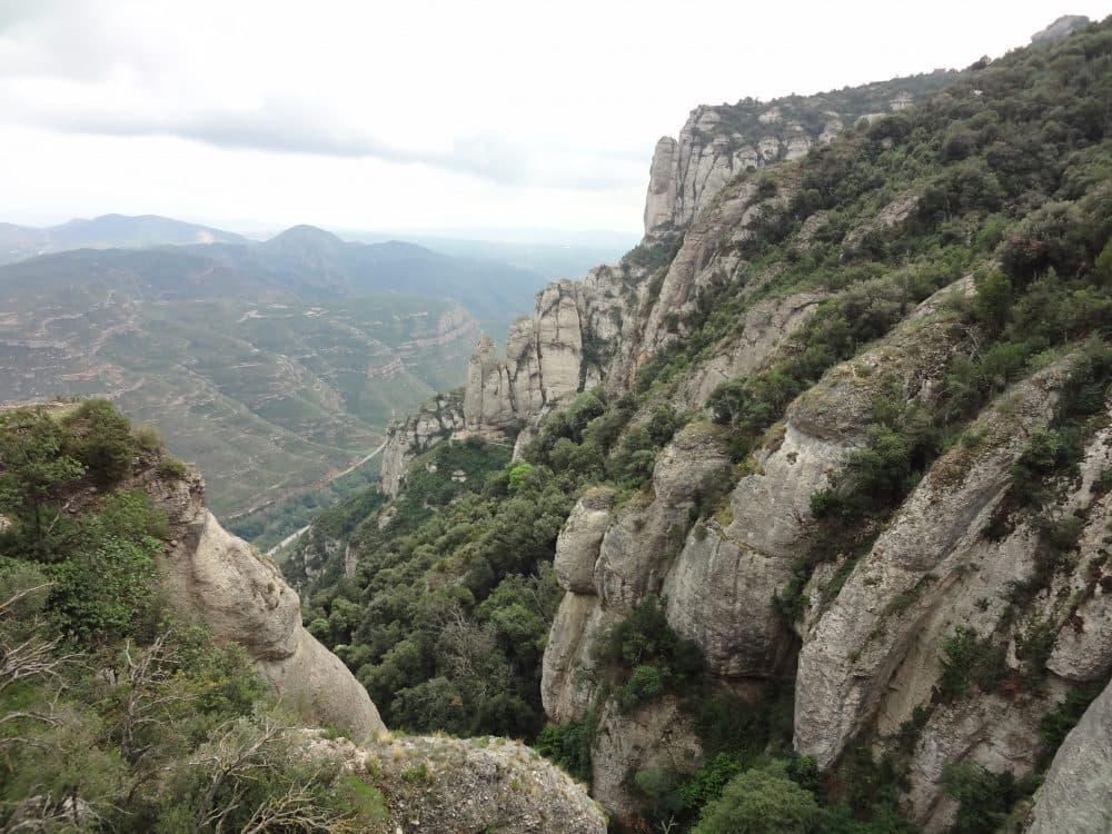 Горный массив Монтсеррат Испания
