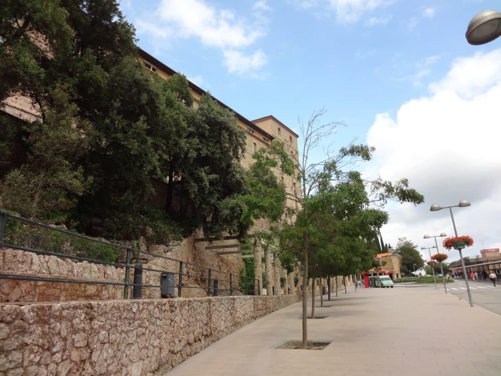 Монастырь Монтсеррат рынок