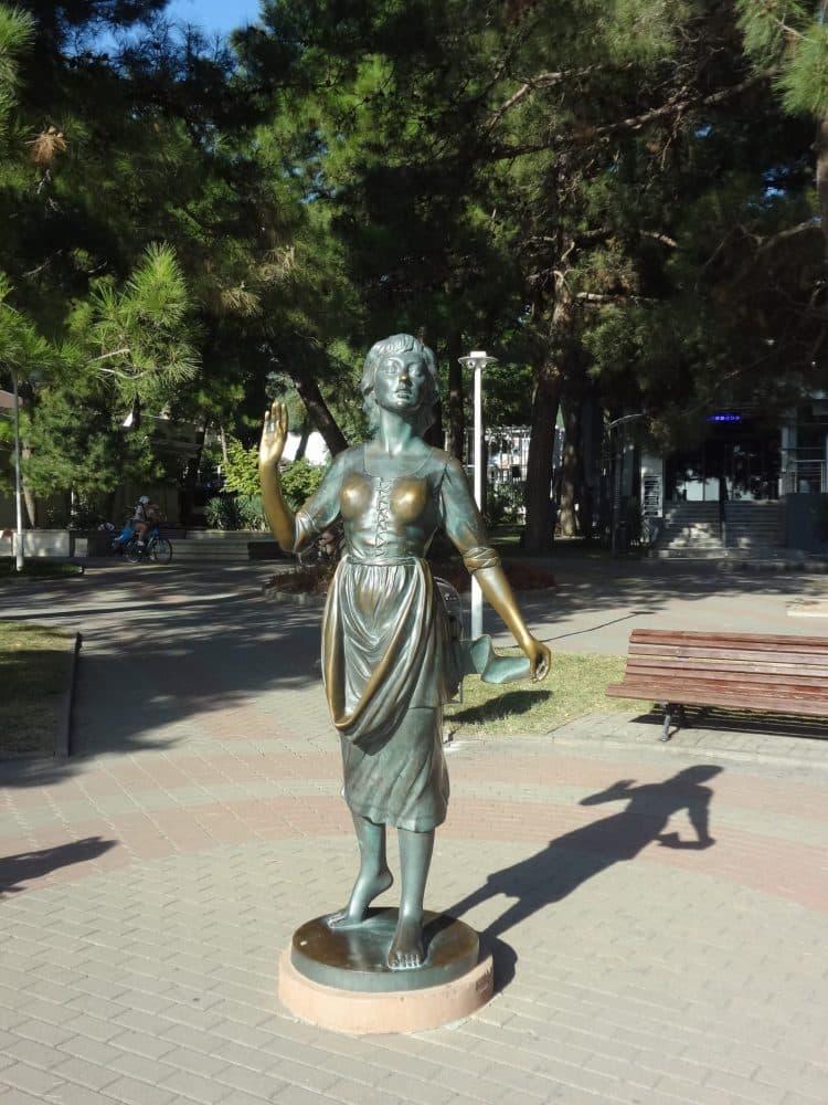 Геленджик скульптура Ассоль