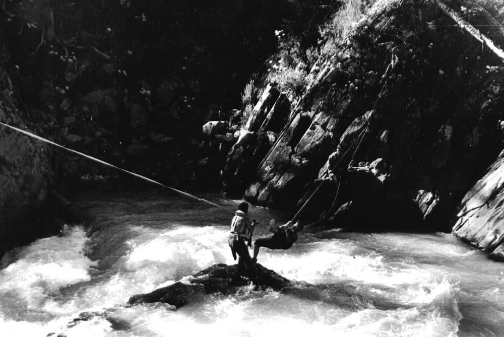 Саяны водопад