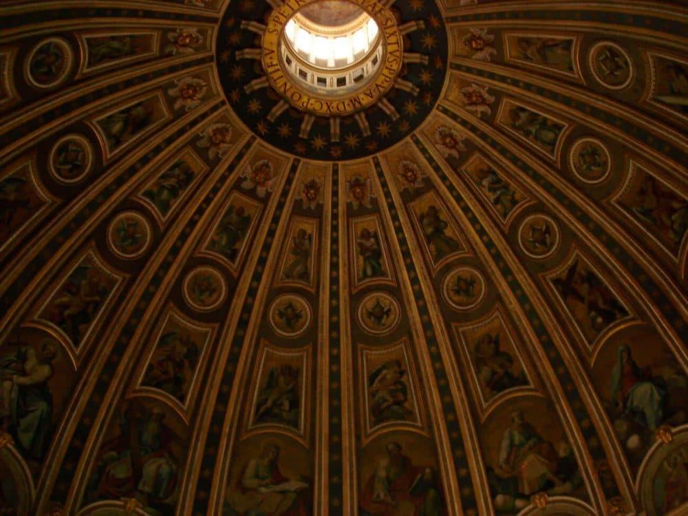 Ватикан. Купол Собора Святого Петра изнутри