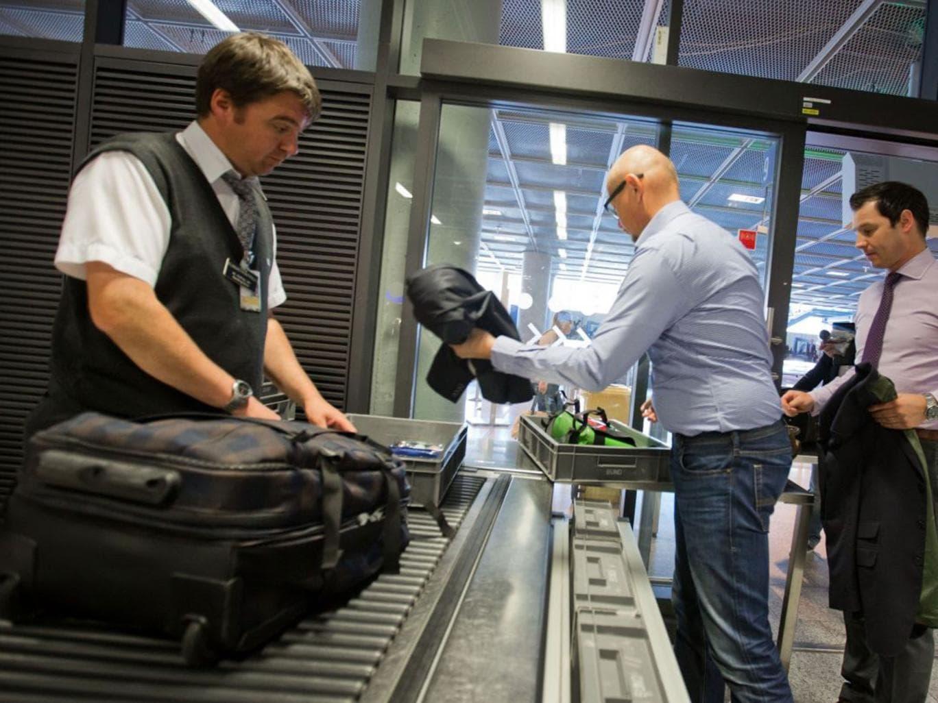 Досмотр безопасности в аэропорту