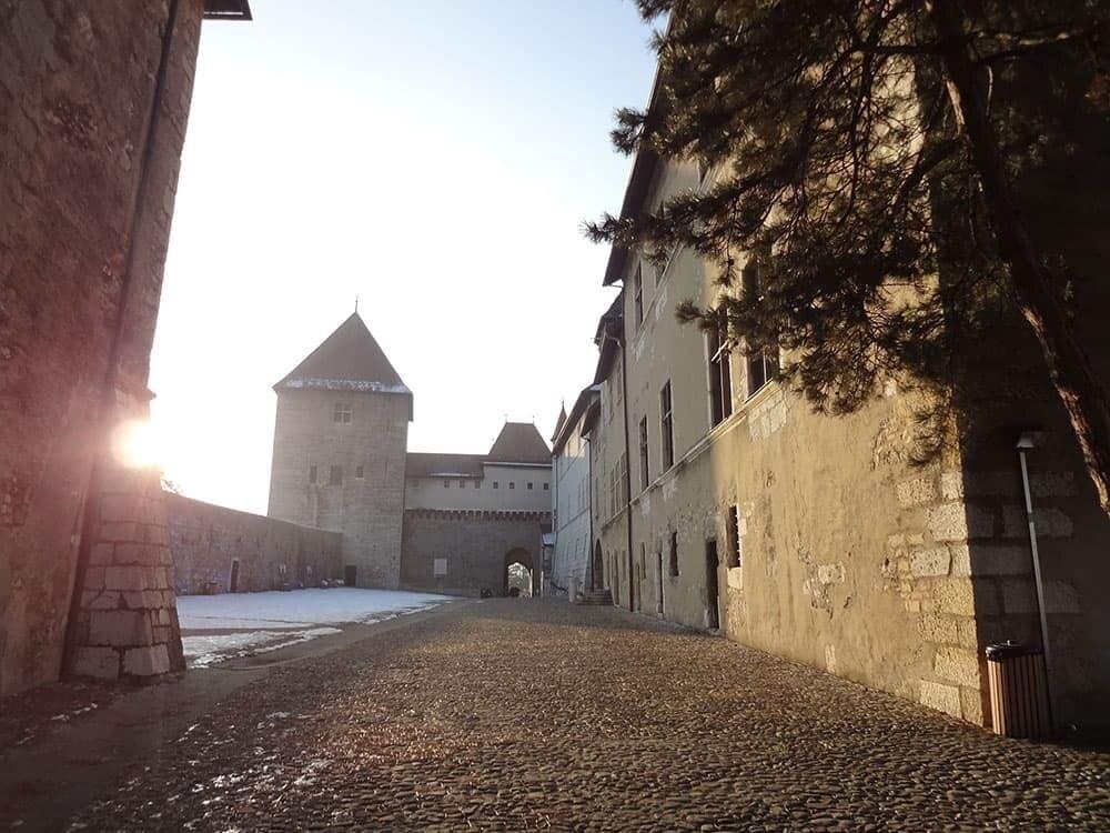 Замок в Анси, Франция
