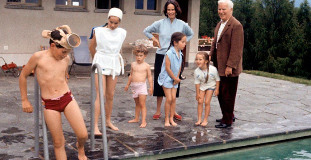 Чарли Чаплин с семьёй