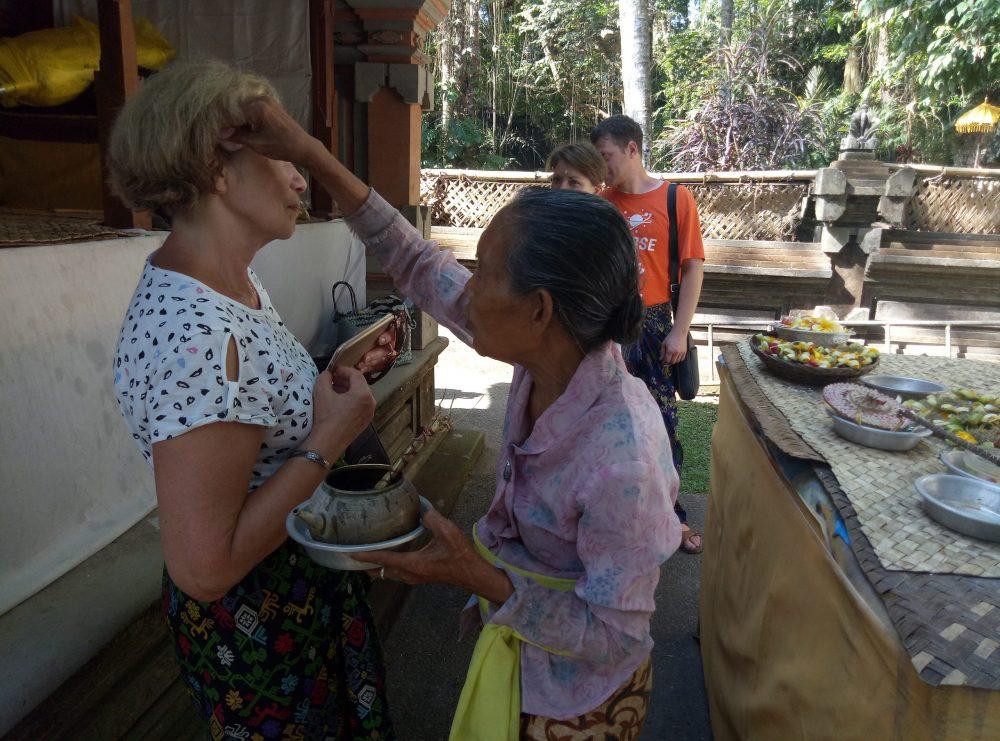 Бали традиции