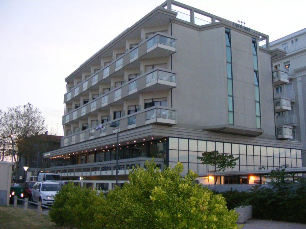 Римини отель