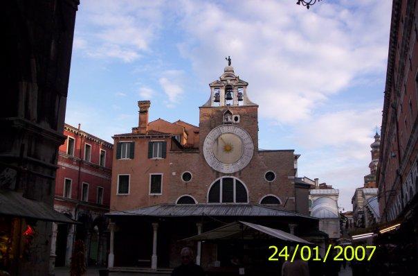 Венеция церковь Сан-Джакомо-ди-Риальто