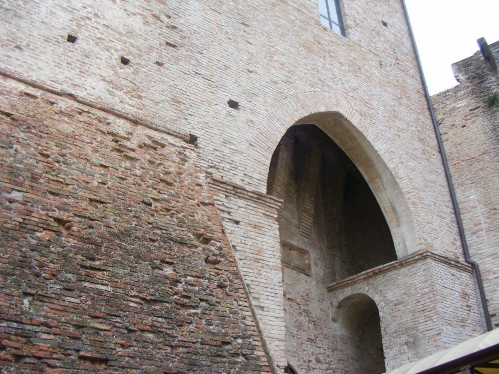 Замок в Римини фото