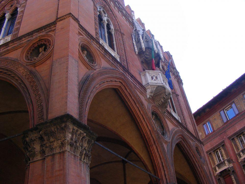 Болонья Палаццо делла Мерканциа