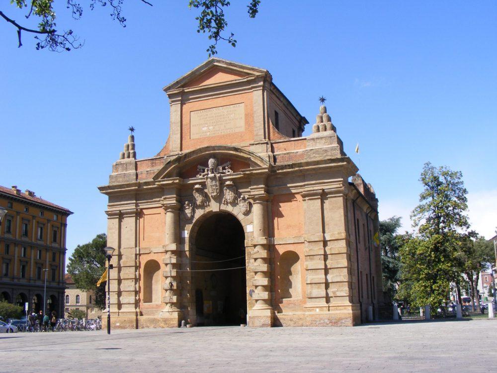 Ворота Порта Галлиера Болонья