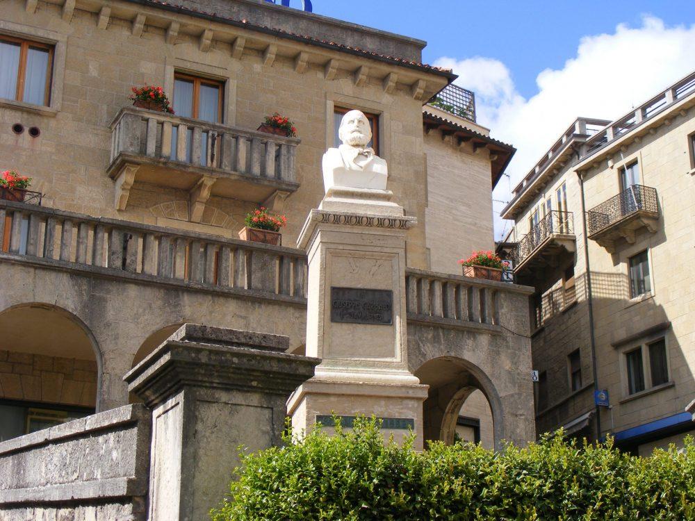 Сан-Марино памятник Гарибальди