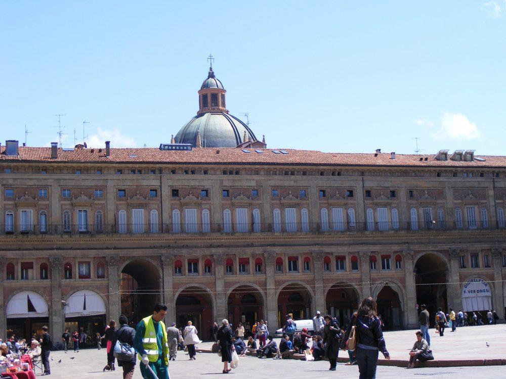 Палаццо деи Банчи Болонья