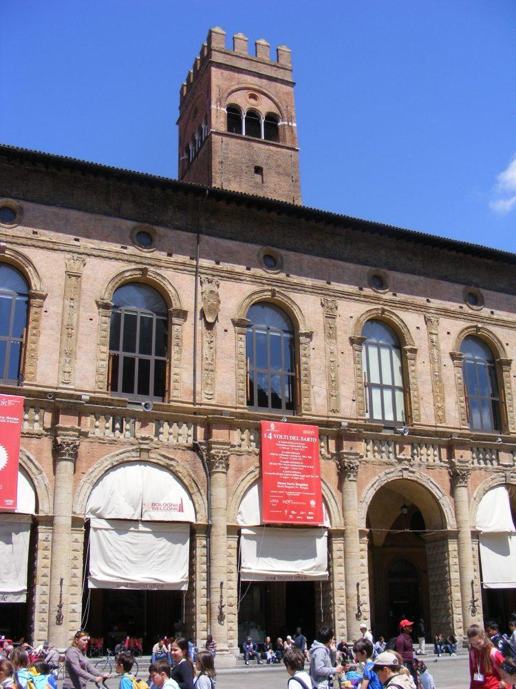 Палаццо Подеста Болонья