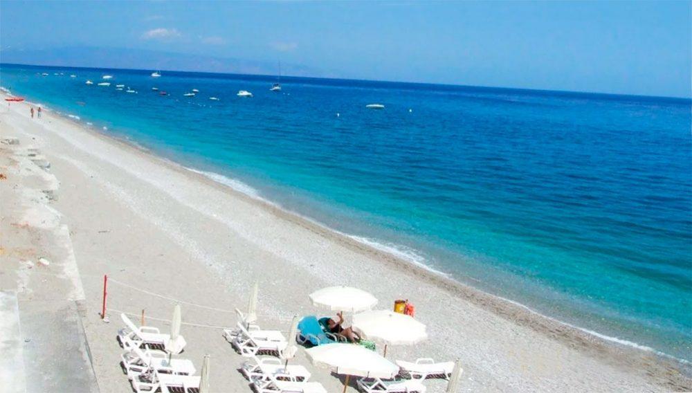 Летоянни пляж