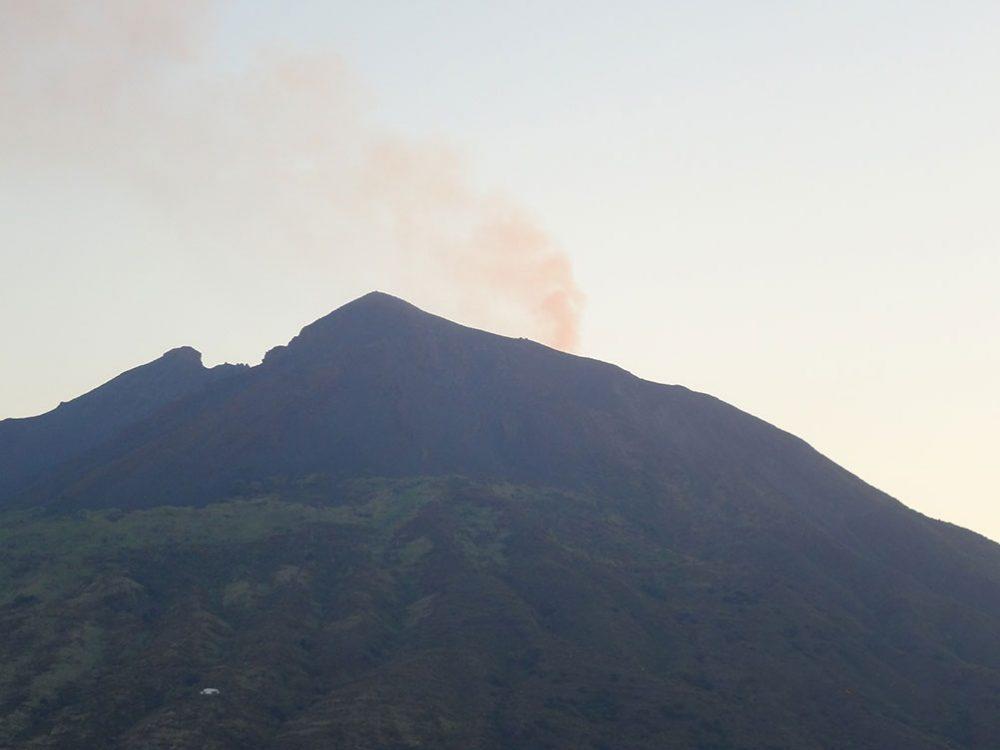Вулкан Италия фото